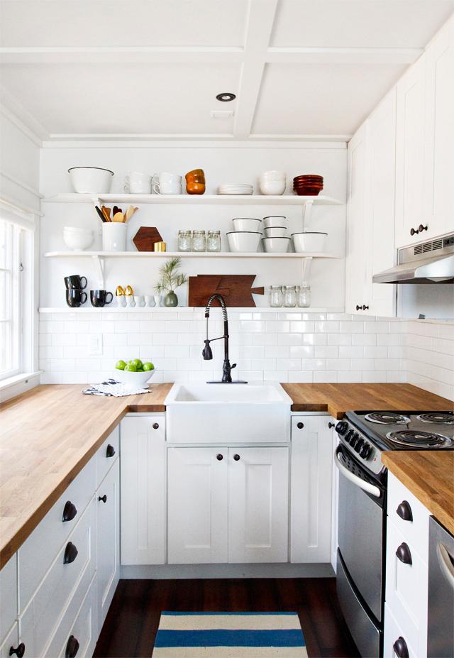 cabin-kitchen-89sm1