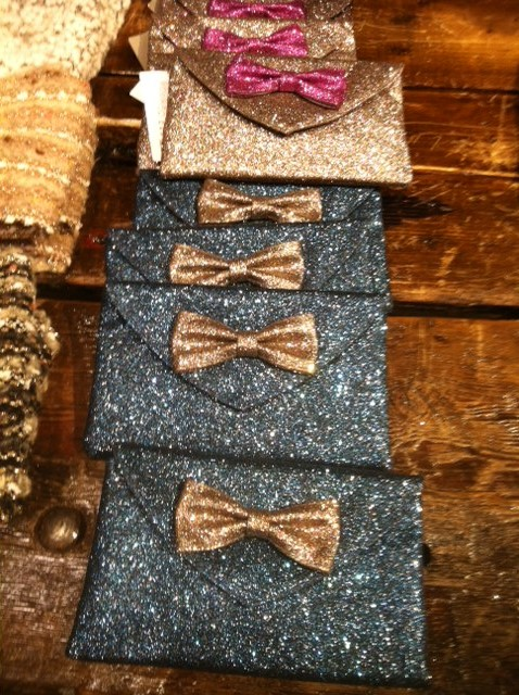 glitter-and-rustic-wood