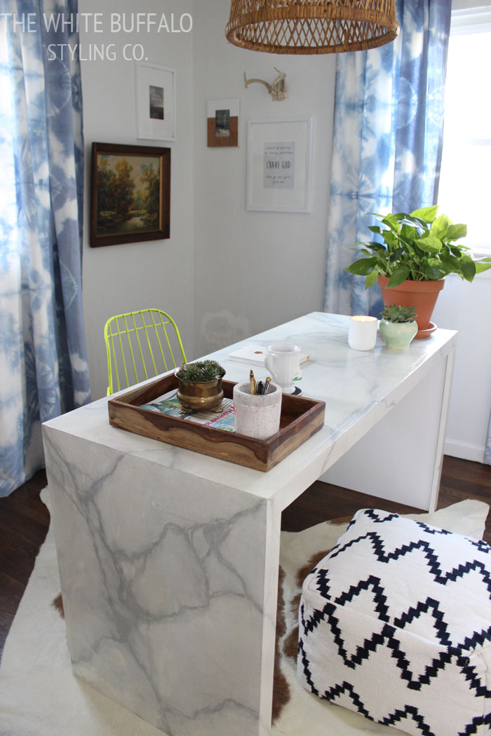 Faux Marble Desk from thewhitebuffalostylingco.com