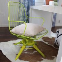 neon-vintage-wire-chair