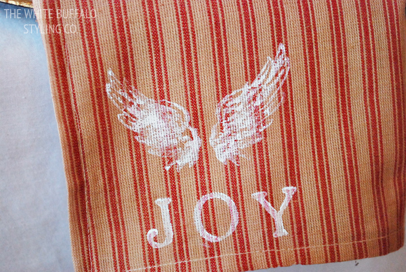 DIY Christmas Joy Napkins