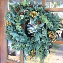 mixed-greenery-wreath
