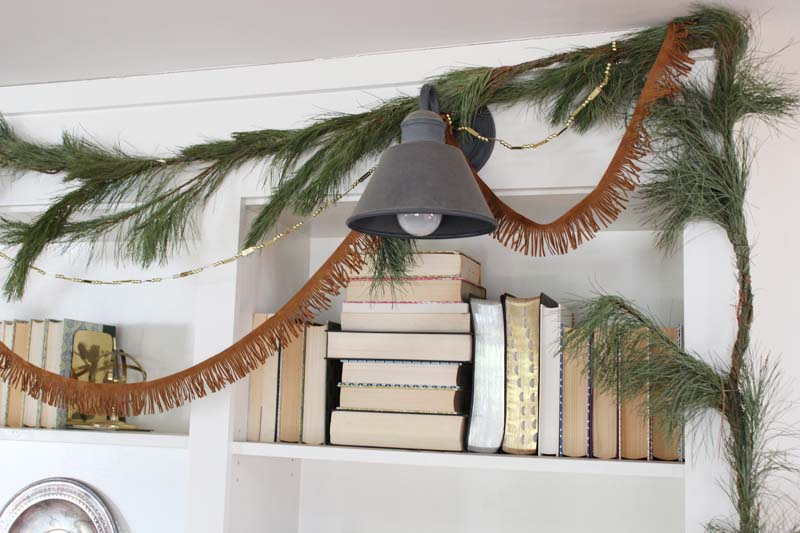 Christmas Bookshelf Ideas