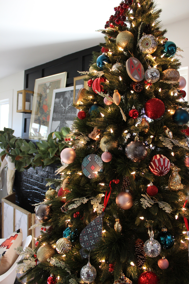 Mixing christmas style with tradition for Style christmas