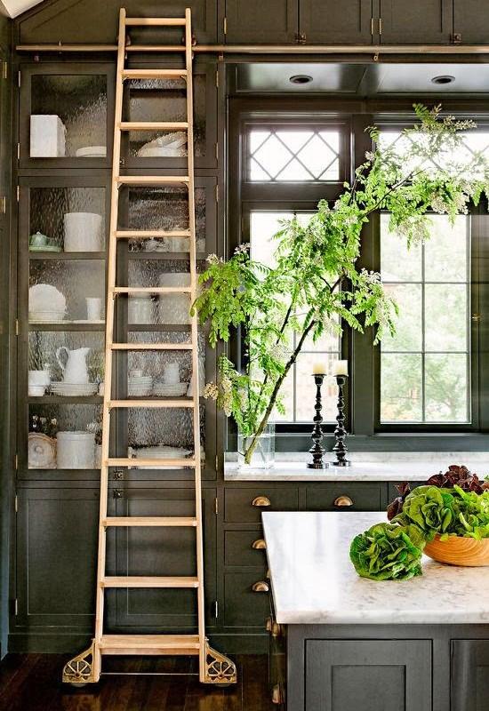 dark-kitchen-cabinets