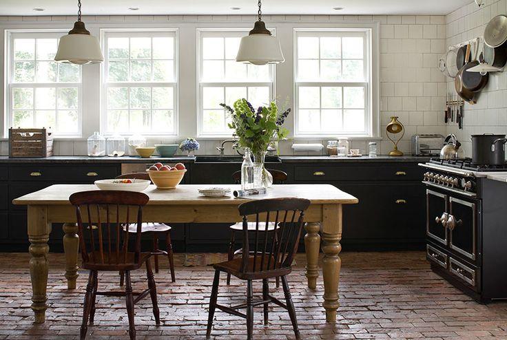 Black Kitchen Cabinets Thewhitebuffalostylingco Com