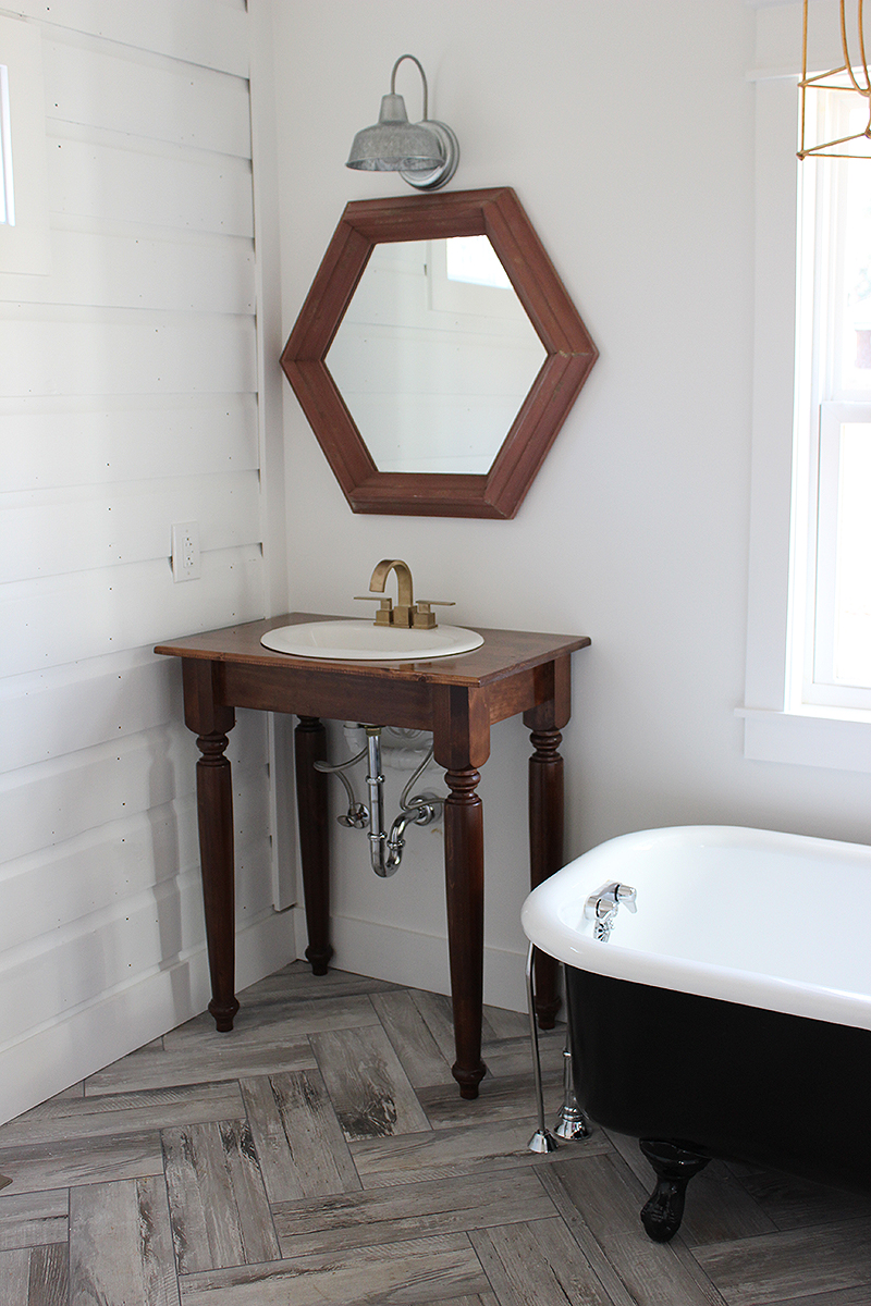 DIY Farmhouse Bathroom Vanities