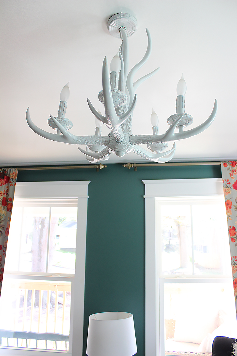 white-antler-chandelier