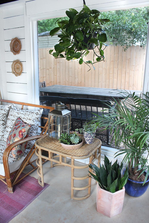 screened-porch-garden