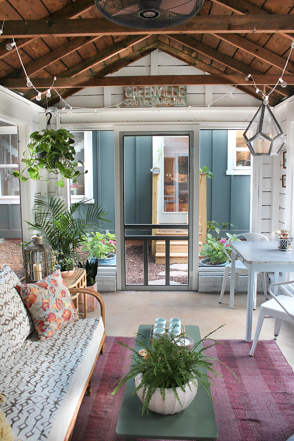 Modern farmhouse style in the screened porch a giveaway Screened in porch decor