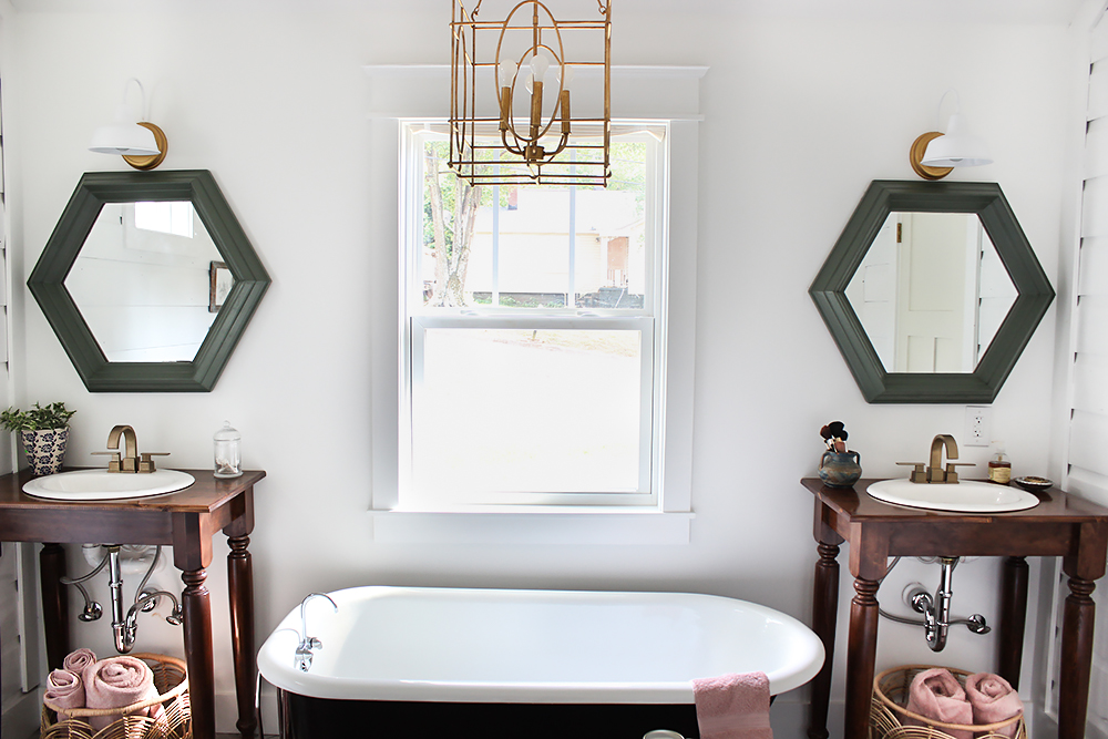 farmhouse-master-bath