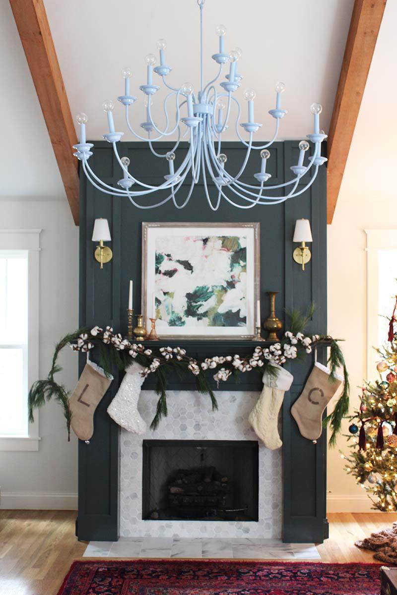 christmas-fireplace-mantel