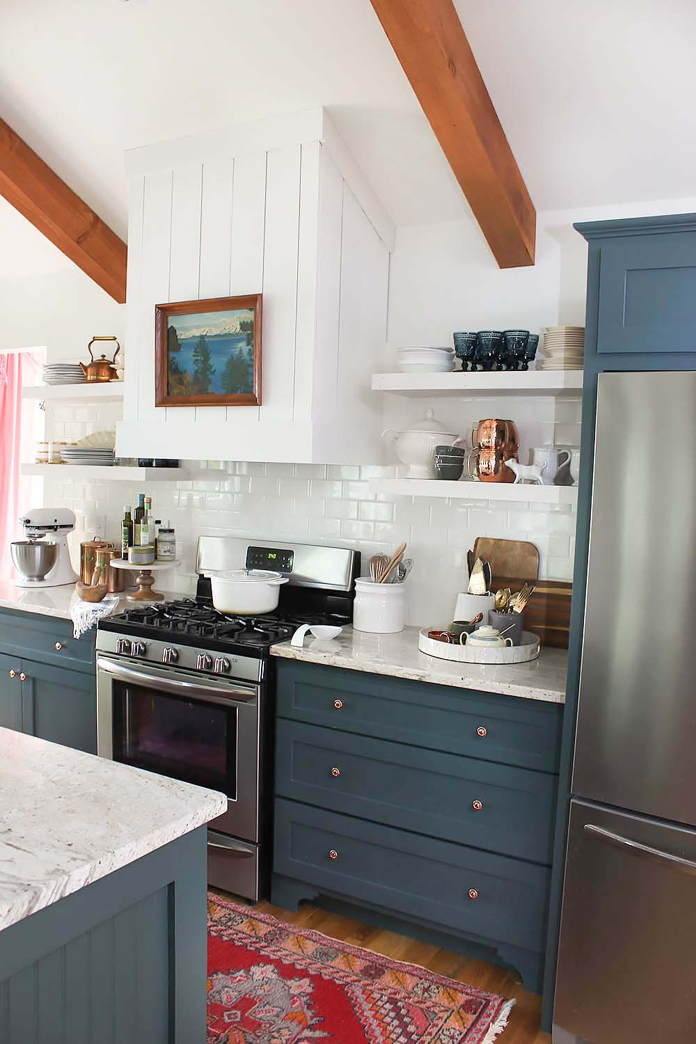 green-cabinets-in-the-kitchen