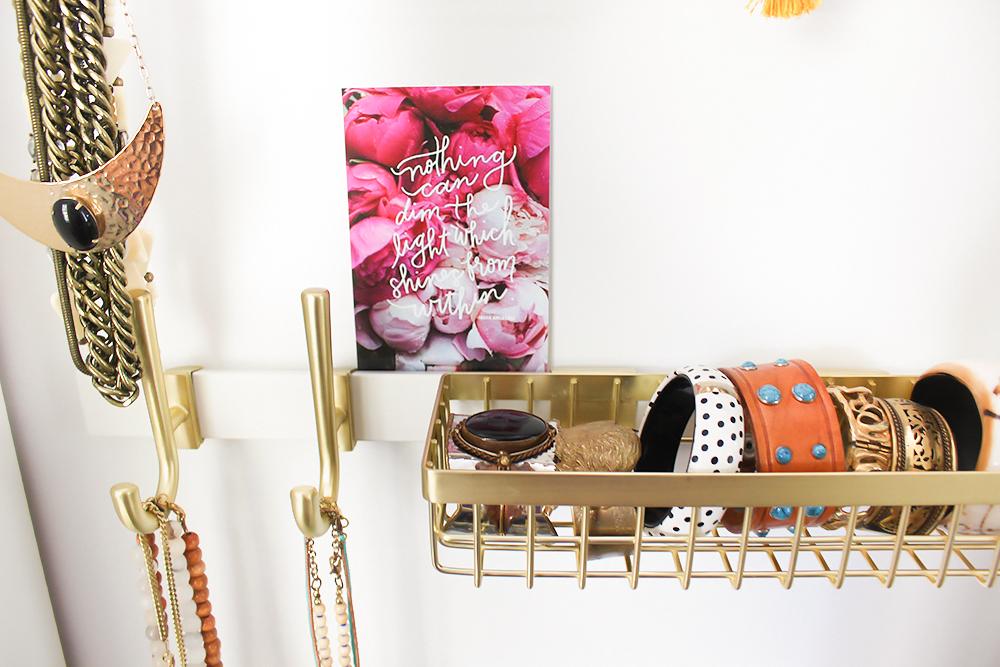 ideas-for-organizing-jewelry