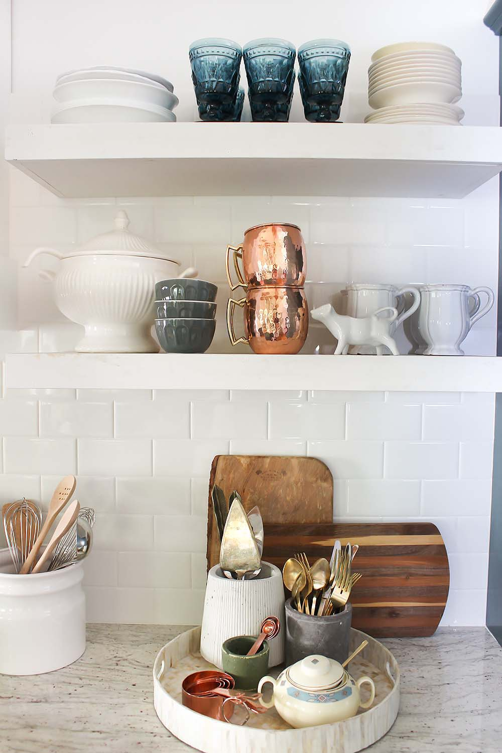 kitchen-shelf-styling