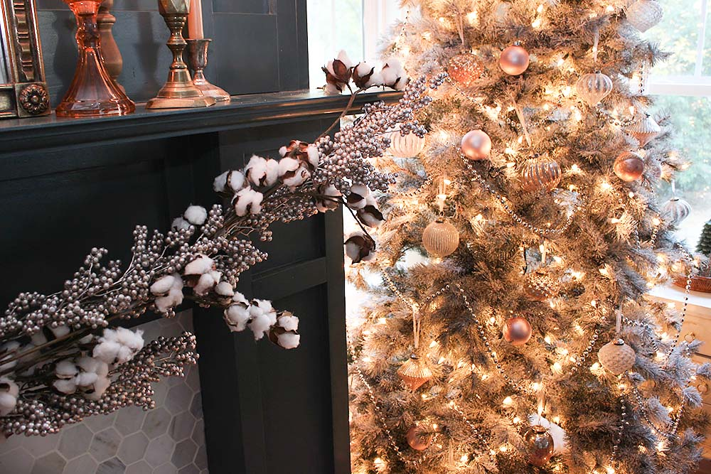 metallic-christmas-tree