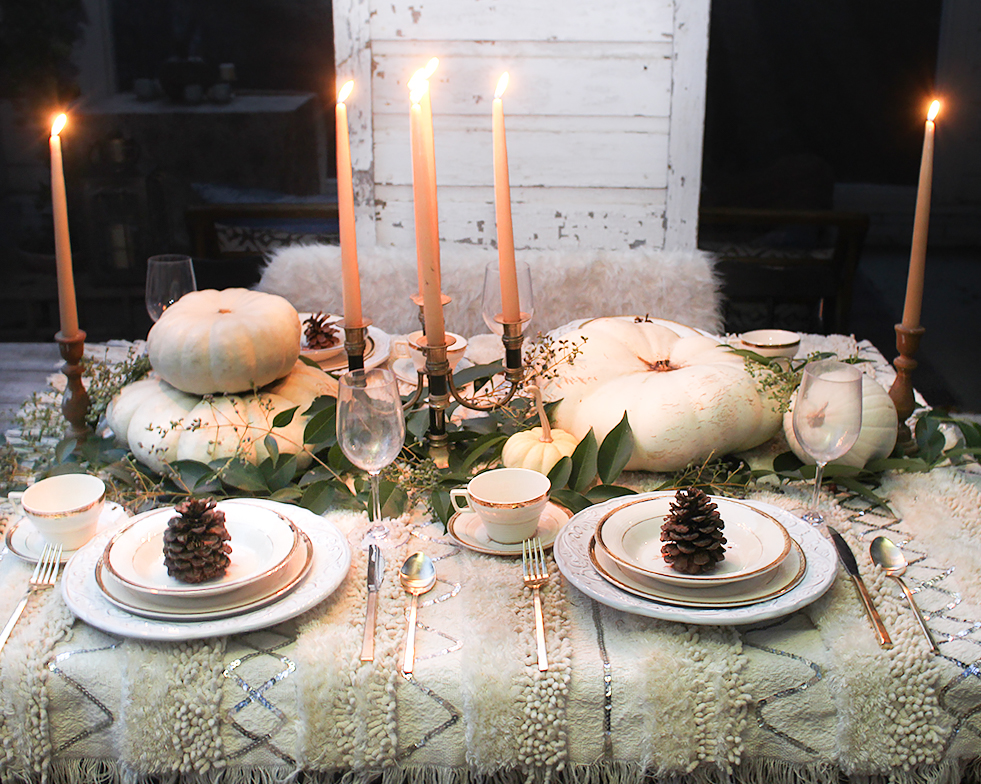neutral-thanksgiving-table-ideas