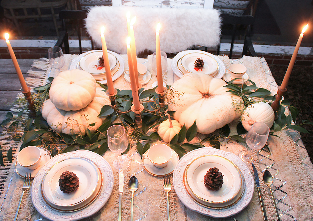 neutral-thanksgiving-table