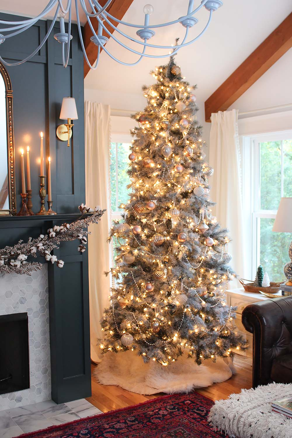 neutral-vintage-christmas-tree