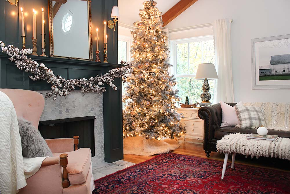 vintage-neutral-christmas-decor